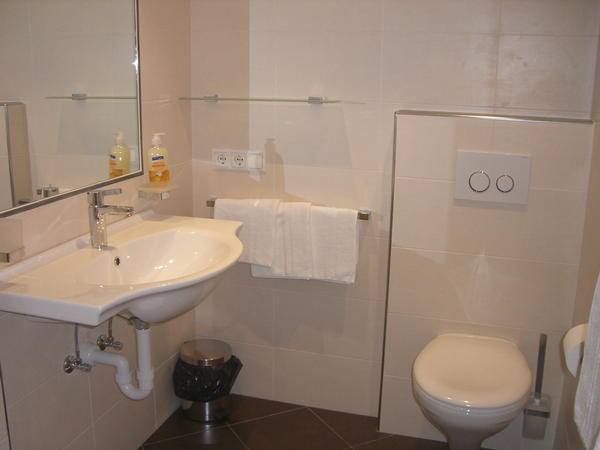 Foto del bagno Appartamenti in agriturismo Kompatscherhof