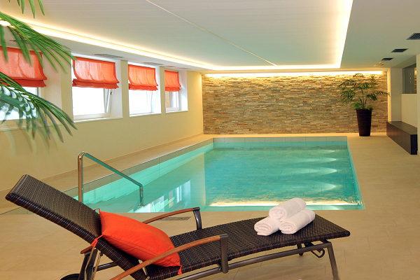 La piscina Mirabell - Hotel 3 stelle sup.