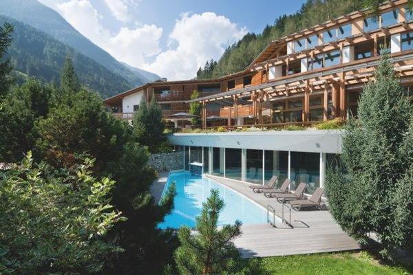 Foto esterno in estate feldmilla. designhotel
