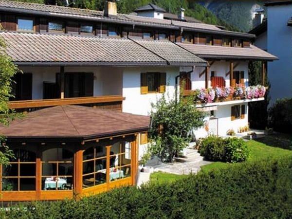 Foto esterno in estate Niederbacher