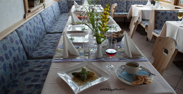 The restaurant Acereto / Ahornach (Valle di Tures / Tauferer Tal) Roanerhof