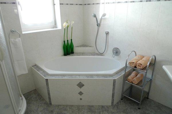 Foto del bagno Appartamenti in agriturismo Sonngarten