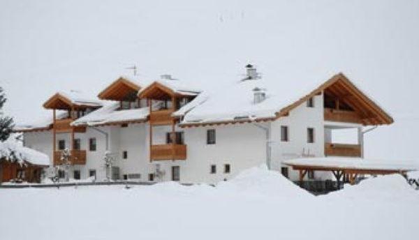 Foto invernale di presentazione Andrea - Residence 2 stelle