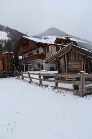 Foto esterno in inverno Wasserer