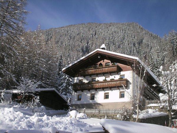 Foto invernale di presentazione Winklerhof - Appartamenti in agriturismo 4 fiori