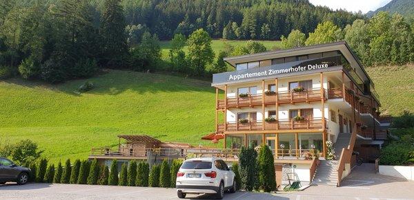 Foto estiva di presentazione Zimmerhofer Appartement Deluxe