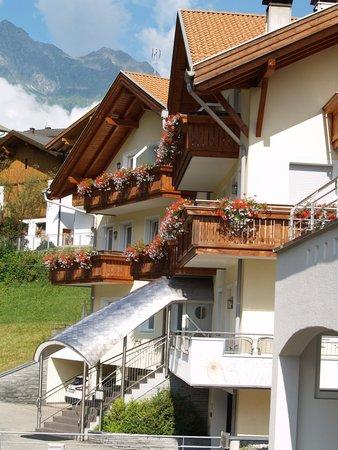 Foto esterno in estate Aparthotel Sonnwies