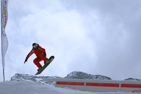 Ski and snowboard school Klausberg TradItDeEn [it=Valle Aurina, de=Ahrntal, en=Valle Aurina / Ahrntal]