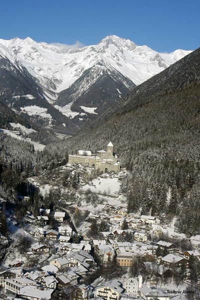 Foto esterno in inverno Campo Tures