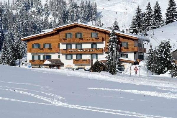 Foto invernale di presentazione Hotel Monte Cherz