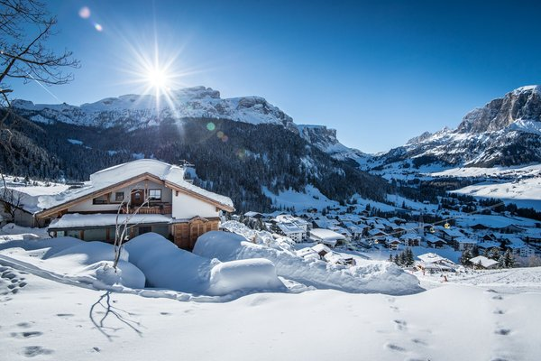 Foto Außenansicht im Winter Corvara