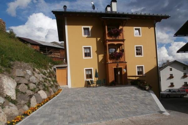 Foto estiva di presentazione Appartamenti Cèsa Raggio di Sole