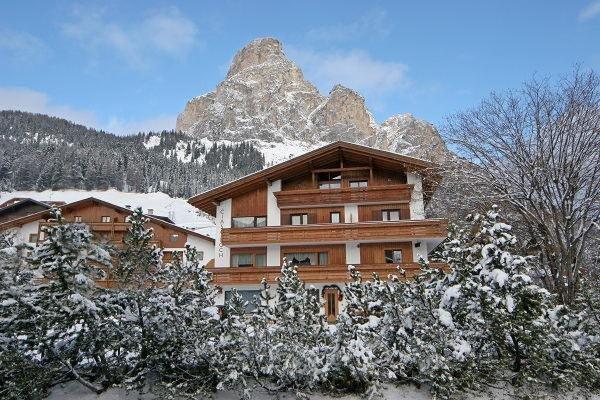 Foto invernale di presentazione Garni (B&B) Ciasa Roch - Hohenlohe