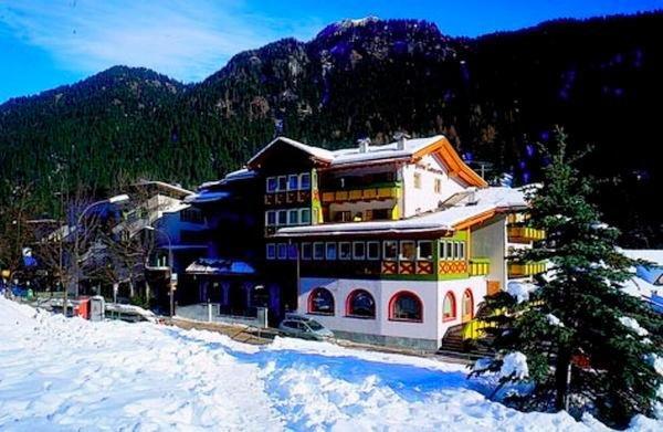 Foto esterno in inverno Alpino al Cavalletto