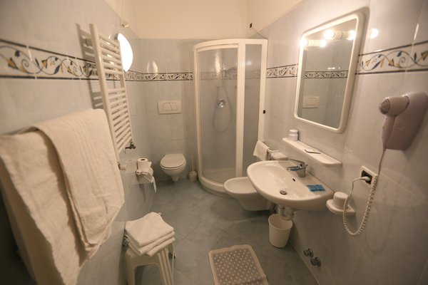 Photo of the bathroom B&B (Garni) + Apartments Arnica