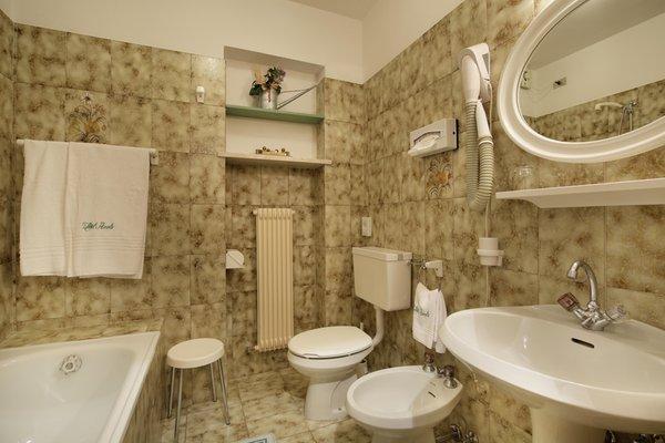 Photo of the bathroom Hotel Azola