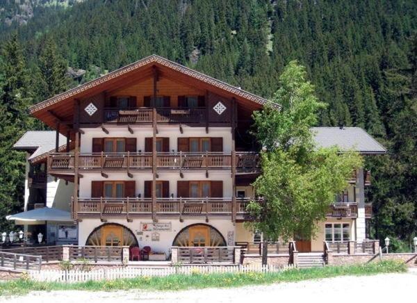 Albergo Miramonti - Alba di Canazei - Val di Fassa