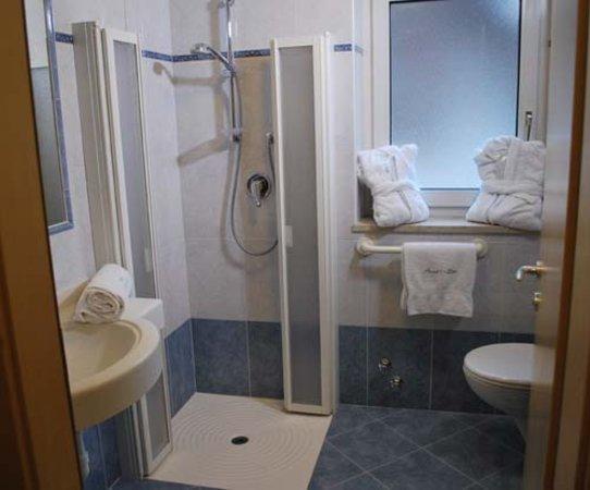 Foto del bagno Piccolo Hotel