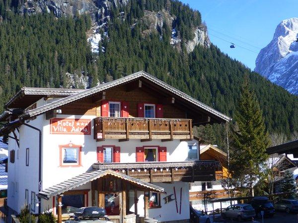 Foto esterno in estate Villa Adria