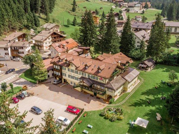La posizione Hotel Villa Rosella Canazei