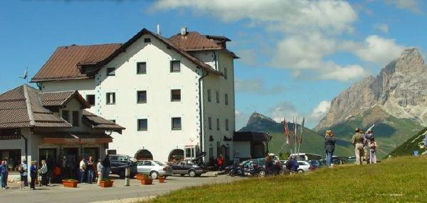 Foto esterno in estate Col di Lana