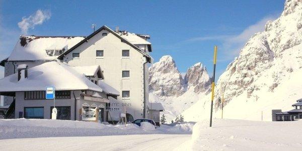 Foto esterno in inverno Col di Lana