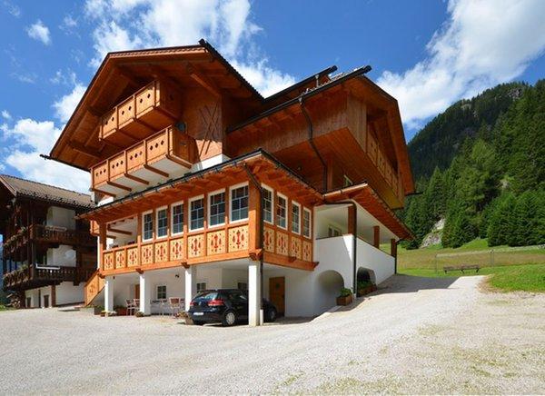 Foto estiva di presentazione Villa Paola - Garni (B&B) 2 soli