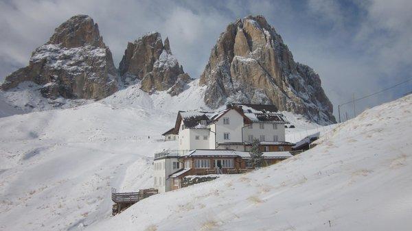 Foto invernale di presentazione Carlo Valentini - Rifugio con camere