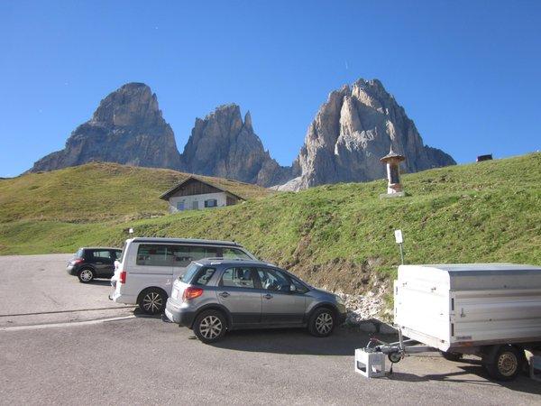 Il parcheggio Rifugio-Hotel Carlo Valentini
