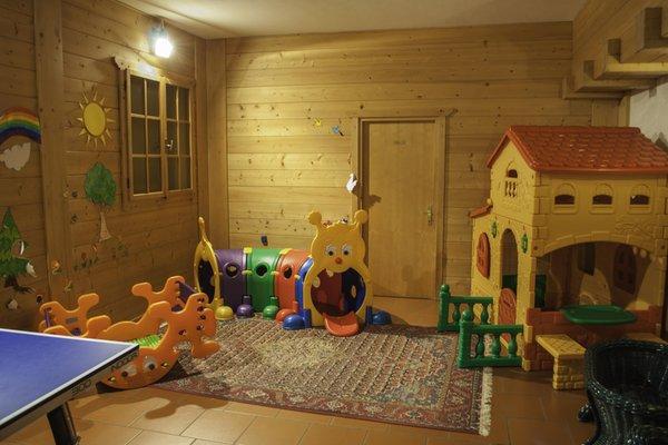 La sala giochi Albergo Alaska
