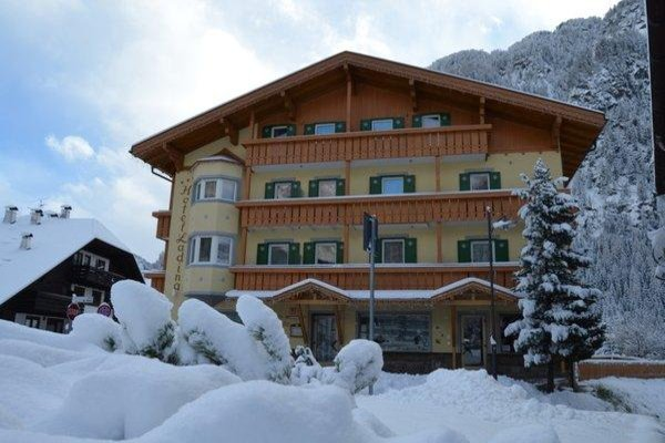 Foto invernale di presentazione Ladina Holiday - Hotel 3 stelle sup.