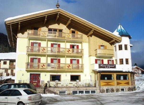 Foto invernale di presentazione Ciamol - Albergo 3 stelle