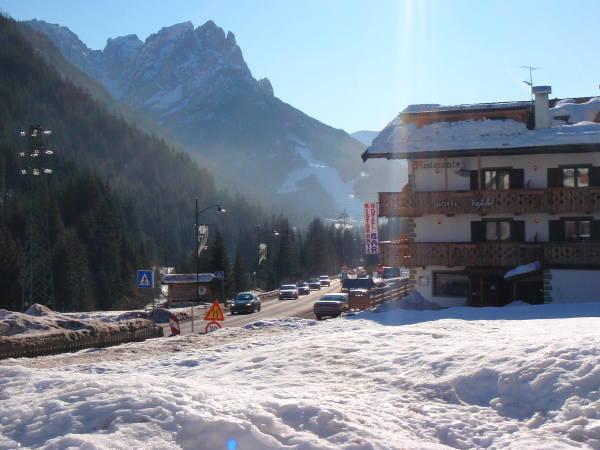 Foto esterno in inverno Vajolet