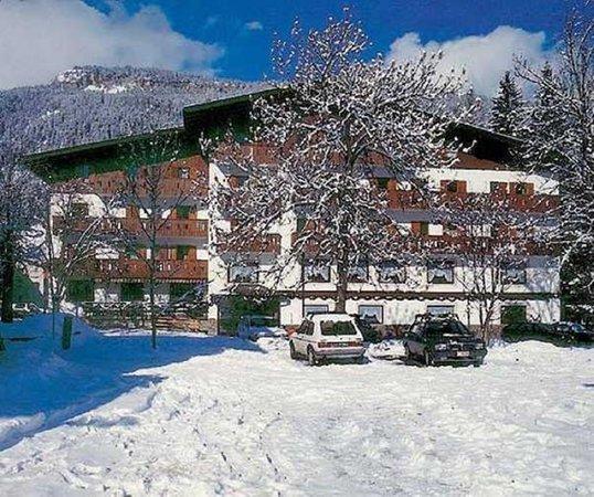 Foto invernale di presentazione Albergo Laurino