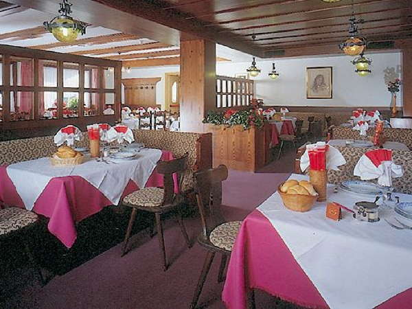 Il ristorante Pozza di Fassa Laurino
