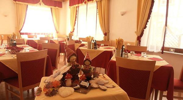 Il ristorante Pozza di Fassa Aida