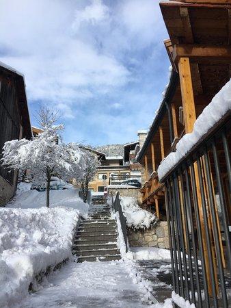 Foto Außenansicht im Winter Enrosadira