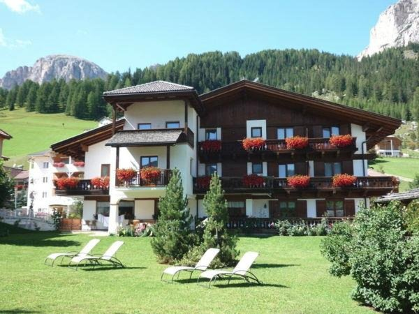 Summer presentation photo B&B (Garni) Haus Tyrol