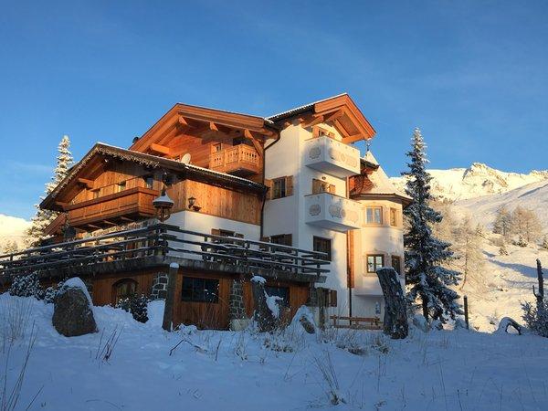 Photo exteriors in winter Miralago