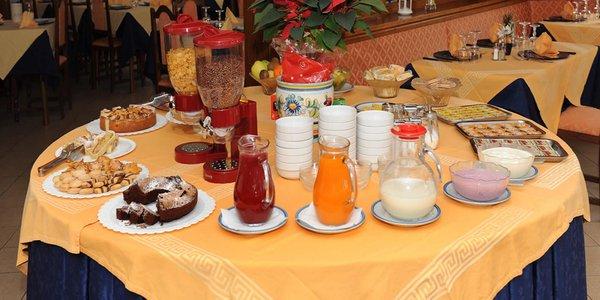 La colazione Hotel Bucaneve
