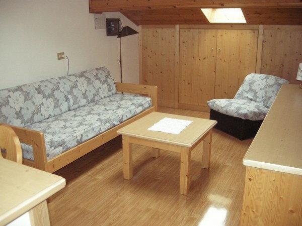 La zona giorno Cèsa Maria Mountain Hospitality Canazei - Appartamenti 4 genziane