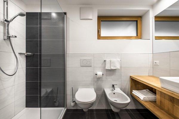Foto del bagno Garni (B&B) + Appartamenti Larix