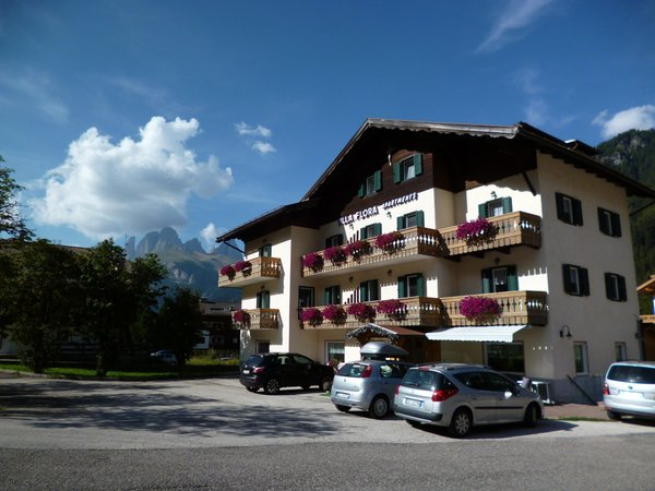 Foto estiva di presentazione Villa Flora - Residence 4 genziane