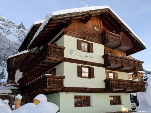 Foto esterno in inverno Cèsa Farinol