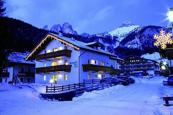 Foto esterno in inverno Villa Artic