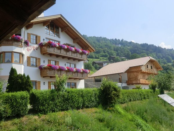 Foto estiva di presentazione Unterkehrhof - Appartamenti 3 fiori