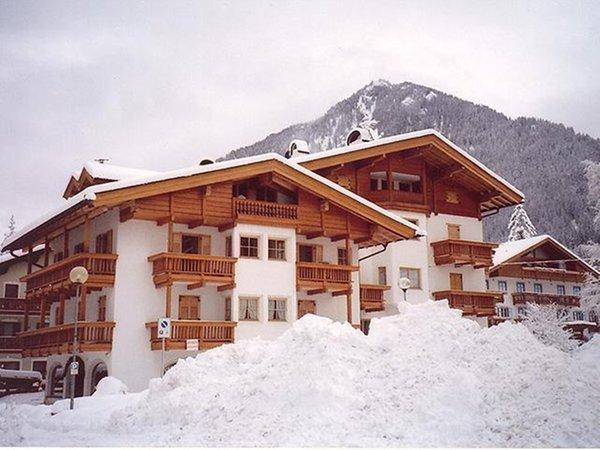 Foto invernale di presentazione Casa Elisa - Appartamenti 3 genziane