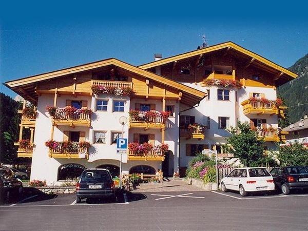 Foto estiva di presentazione Casa Elisa - Appartamenti 3 genziane