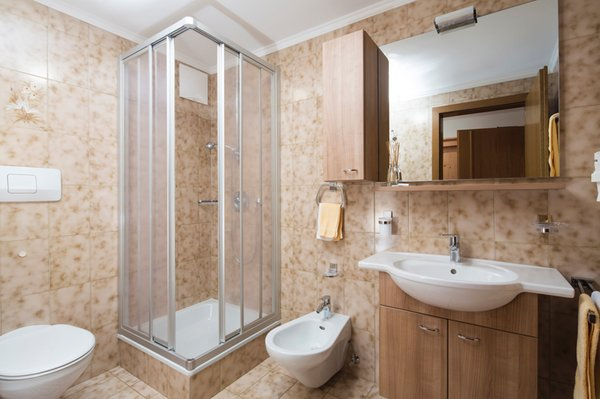 Photo of the bathroom B&B (Garni) + Residence Adria