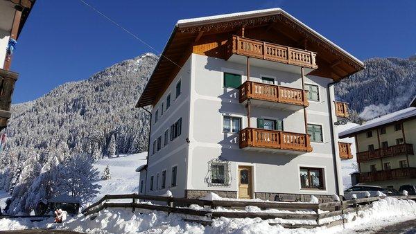 Foto invernale di presentazione Appartamenti Pescol